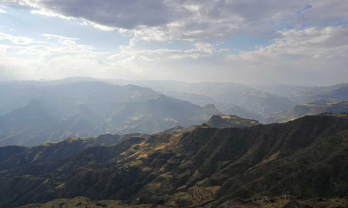 Community-Trekking-Lalibela-Marc-FAM